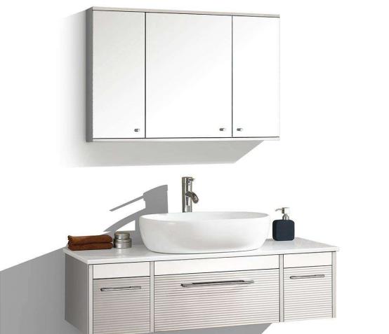 挂壁浴室柜距离地面要多高?安装时要注意什么