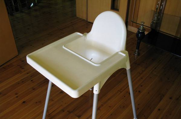 实木儿童餐椅选购技巧及儿童餐椅品牌介绍